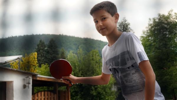 Der zwölfährige Luca spielt leidenschaftlich Tischtennis. | Rechte: MDR/Cine Impuls