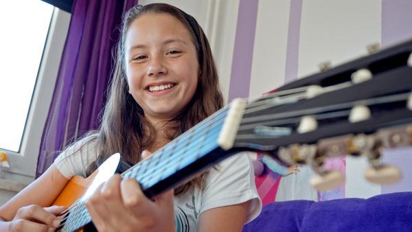 Die zehnjährige Franka liebt Singen über alles und ist Mitglied in der Kindersing-Akademie. | Rechte: MDR/Cine Impuls