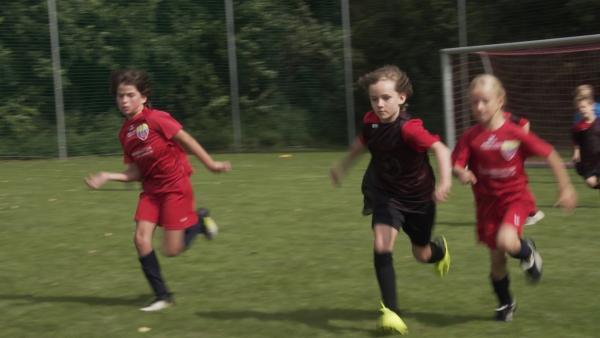 Käte beim Spiel | Rechte: KiKA