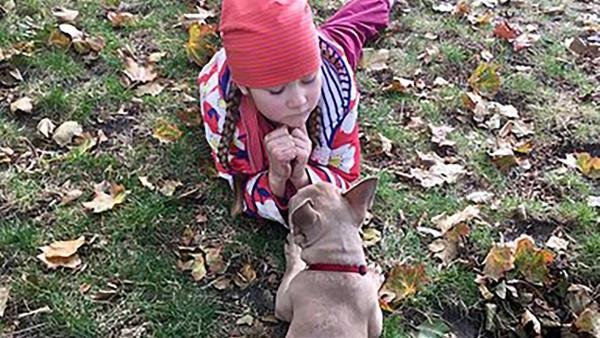Lou und ihr Hund Nielsen | Rechte: rbb