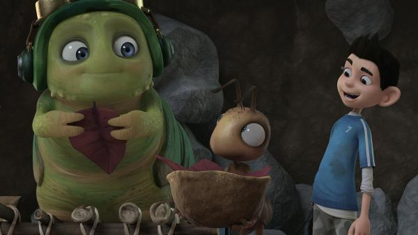 Die Ameisen füttern Chowser vor dem Festmahl. Zak findet das eigenartig. | Rechte: KiKA/One Animation PTE LTD.