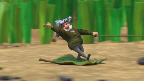 Gramps surft auf einem Blatt. | Rechte: KiKA/One Animation PTE LTD.