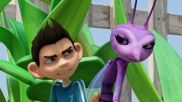 Weder Zak noch Lidia gefällt es, dass sie aneinander kleben. | Rechte: KiKA/One Animation PTE LTD.