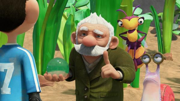 Nun ist Zak dran, Gramps' Trank zu probieren. Willow und Syd beobachten. | Rechte: KiKA/One Animation PTE LTD.