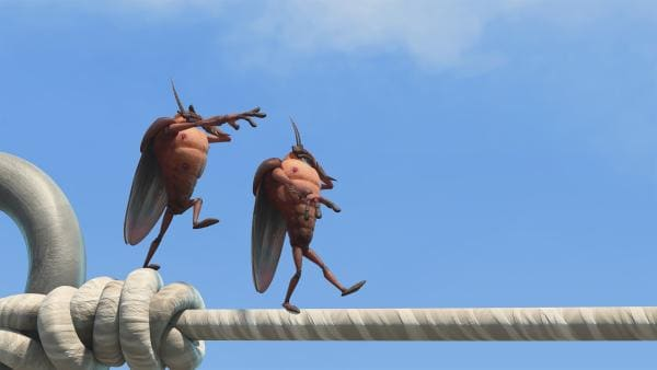 Hye und Lo balancieren auf der Wäscheleine.   Rechte: KiKA/One Animation PTE LTD.