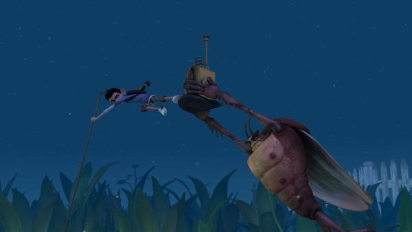 Zak und die Kakerlake kämpfen um Normas Gehäuse ‒ oder vielmehr um ein Mikronator-Teil.   Rechte: KiKA/One Animation PTE LTD.