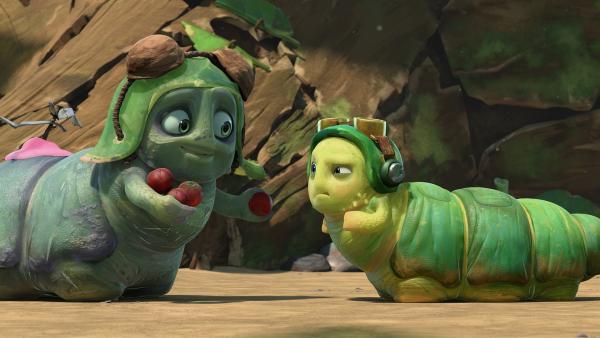 Chowser trifft auf seinen Doppelgänger, der auch gerne Beeren mag.   Rechte: KiKA/One Animation PTE LTD.