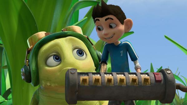 Zak und Chowser haben den Polaritäts-Umkehrer des Mikronators gefunden.  | Rechte: KiKA/One Animation PTE LTD.