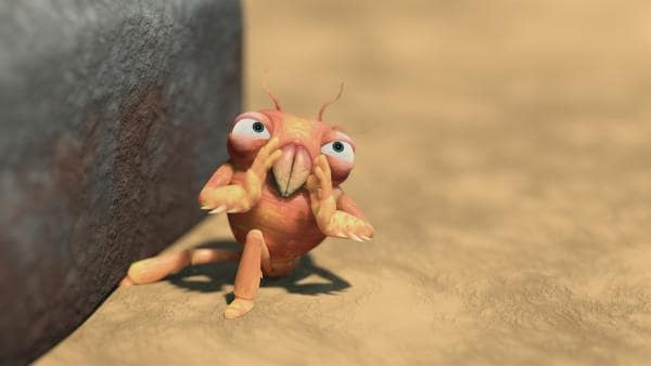 Die kleine Milbe hat ihr Bein unter einem Stein eingeklemmt. | Rechte: KiKA/One Animation PTE LTD.