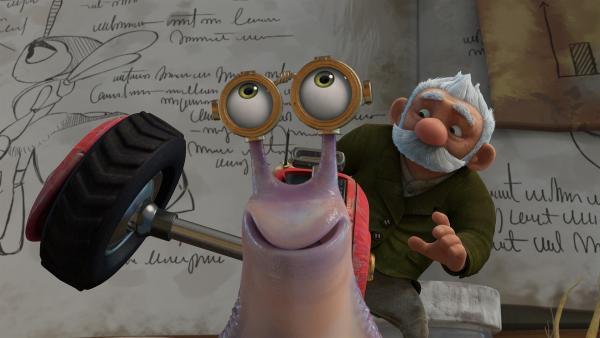 Gramps repariert die Räder von Syd.  | Rechte: KiKA/One Animation PTE LTD.