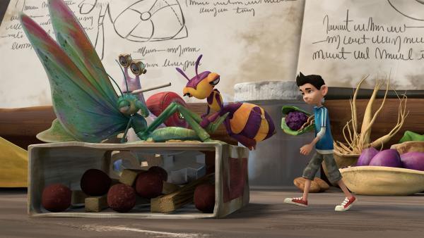 Zak, Syd und Willow bewirten den unfreundlichen Schmetterling widerwillig.   Rechte: KiKA/One Animation PTE LTD.