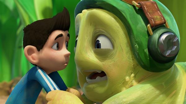 Vor Aufregung wird der schüchterne Chowser ganz panisch. | Rechte: KiKA/One Animation PTE LTD.