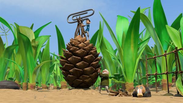 Zak und sein Großvater bauen das Camp auf.  | Rechte: KiKA/One Animation PTE LTD.
