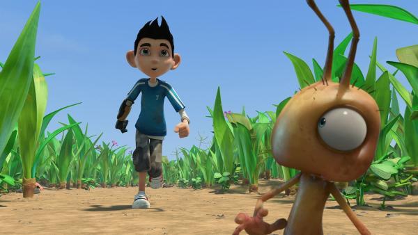 Zak genießt seine neue Größe und rennt durch den Garten.  | Rechte: KiKA/One Animation PTE LTD.