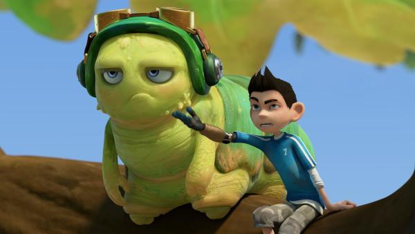 Chowser und Zak hören genervt dem Gehabe von Hye und Lo zu. | Rechte: KiKA/One Animation PTE LTD.