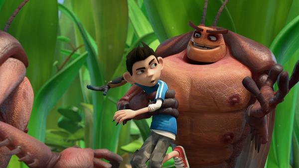 Hye und Lo nehmen Zak gefangen. | Rechte: KiKA/One Animation PTE LTD.