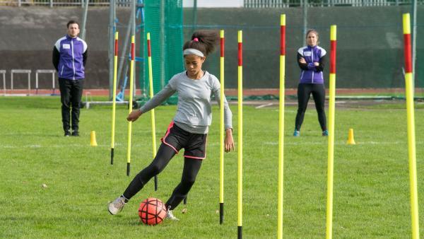 Jack (Lenna Gunning-Williams) trainiert hart, um einen Platz in Archfield zu bekommen. | Rechte: WDR/Short Form (JJI) Ltd