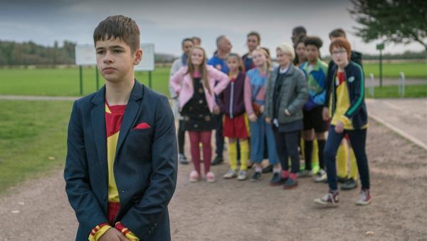 Jamie (Louis Dunn) muss sich zwischen der großen Karriere und seinen Freunden entscheiden. | Rechte: WDR/Short Form (JJI) Ltd