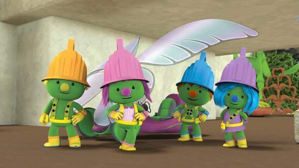 Das Tüftler-Team macht ein Gruppenfoto vor Mollys Rollsegler.  | Rechte: KiKA/The Jim Henson Company/DHX Media