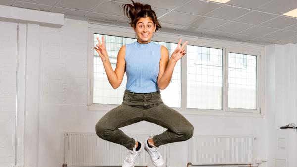 Susan springt in die Luft | Rechte: KiKA/Svea Pietschmann