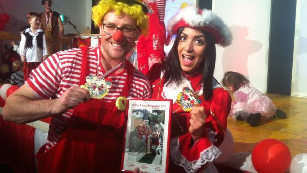 Jess und Ben feiern Karneval | Rechte: KiKA