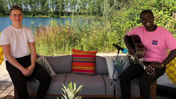 X-Fragen an Jonny und Jakob | Rechte: KiKA