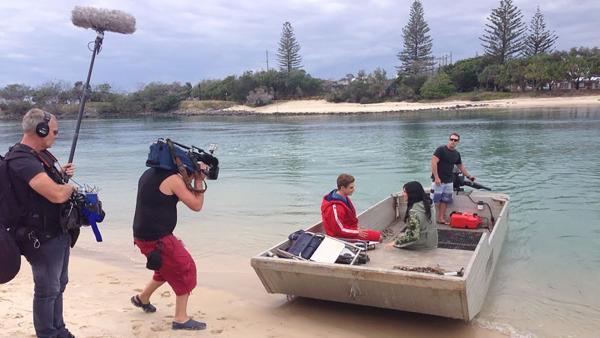 KiKA LIVE-Moderatorin Jess bei den Dreharbeiten mit Alex Cubis in Australien