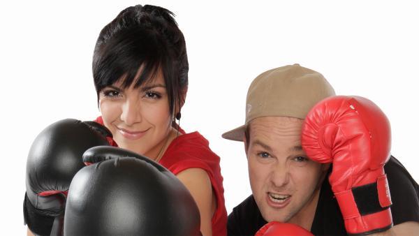 KiKA LIVE-Moderatoren Jess und Ben | Rechte: Jenny Sieboldt/KiKA
