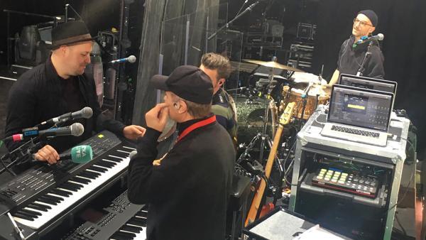 Die Musiker helfen Ben. | Rechte: KiKA/ Eva Knäusel