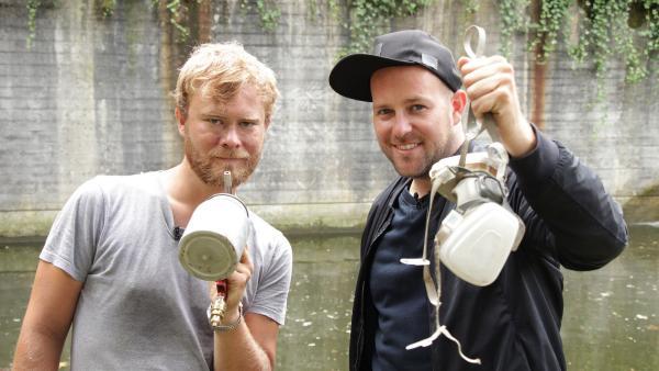 Ben trifft den Reverse Graffiti-Künstler Tim Ossege alias SeiLeise in Köln. | Rechte: KiKA/Oskar Lohaus