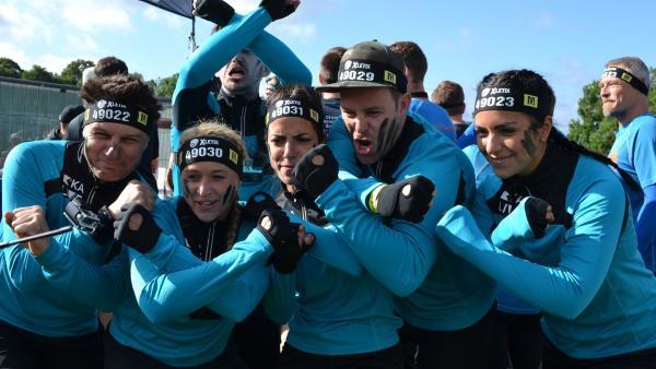 Das KiKA LIVE XTREME Team stellt sich vier Tage lang der krassesten Challenge des Jahres. Ben und Jess werden unterstützt von Singa Gätgens, Clarissa Corrêa da Silva, Andrè Gatzke und Marti Fischer. Ob die sechs es bis zum Ziel schaffen? | Rechte: KiKA/Lisa Dimmerling