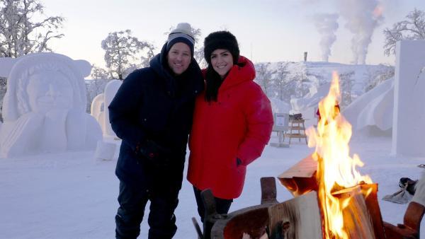 Ben und Jess an ihrem ersten Tag im schwedischen Lappland beim Schneefestival in Kiruna | Rechte: KiKA/Stefanie Jung