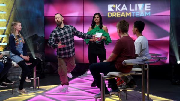 KiKA LIVE Dreamteam Tag 2: Bürger Lars Dietrich und Jess | Rechte: KiKA/Christin Gertler