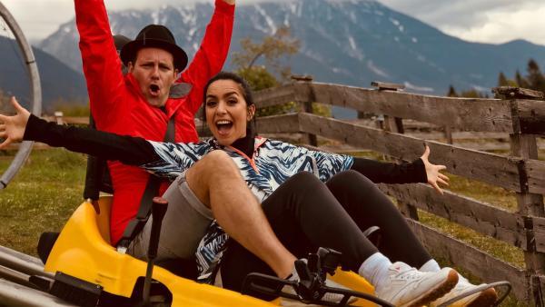 Ben und Jess an Tag 2 des Sommerrodelbahn Checks. | Rechte: KiKA/Rozhyar Zolfaghari
