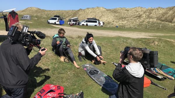 Jess trifft Kitesurfer Malte | Rechte: KiKA/Andrea Thoben