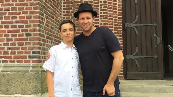 Ben trifft Samuel, der eine Kirchenorgel spielen kann. | Rechte: KiKA/Nicolette Maurer
