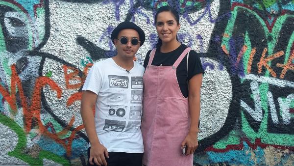 Jess trifft den amtierenden Europameister im Beatboxen Robeat. | Rechte: KiKA/Stephanie Paersch