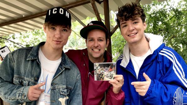 Ben trifft Roman und Heiko in Berlin und lässt sich exklusiv einige neue Songs vorstellen. | Rechte: KiKA