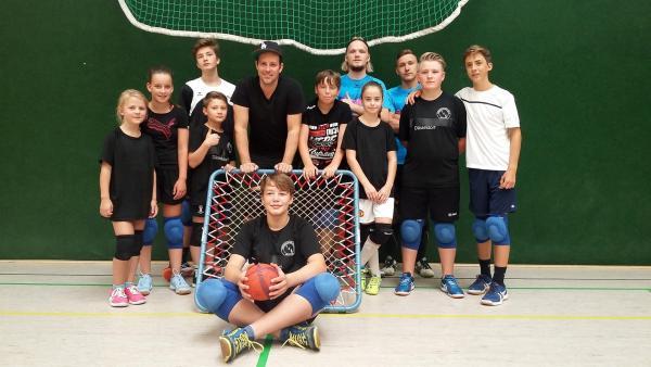 Ben besucht die Tchoukball-Mannschaft des TBH Düsseldorf. | Rechte: KiKA/Stephanie Paersch