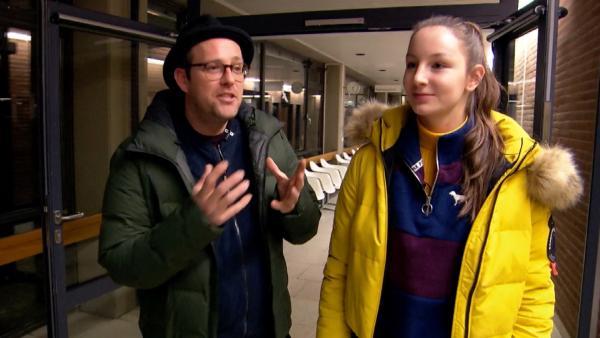 Ben trifft Anna aus Hannover. Ihr Hobby ist: Helfen! | Rechte: KiKA