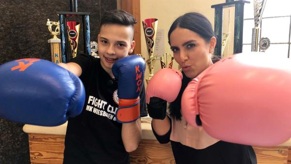 Jess trifft den 14-jährigen Kickboxer Manuel Bodrozic. | Rechte: KiKA/Björn Pollok