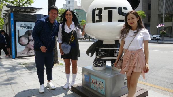 Gemeinsam gehen sie natürlich auch auf K-Pop-Tour durch Seoul. | Rechte: KiKA/Stefanie Jung