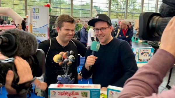 Ben und Tim sind auf der Messe Consumenta in Nürnberg unterwegs und finden heraus, was in Sachen Games angesagt ist. | Rechte: KiKA/Alex Huth