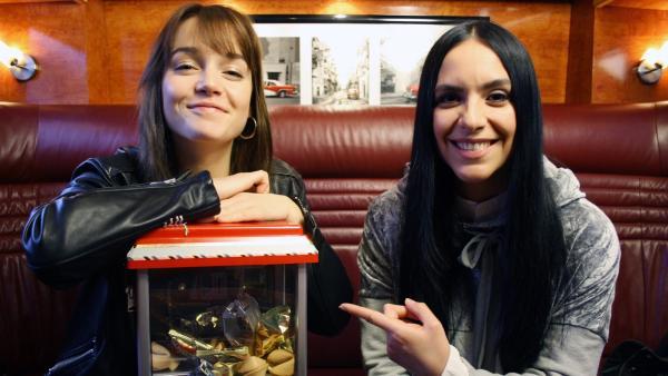 Jess trifft LOTTE auf Tour.   Rechte: KiKA/Rafael Bies