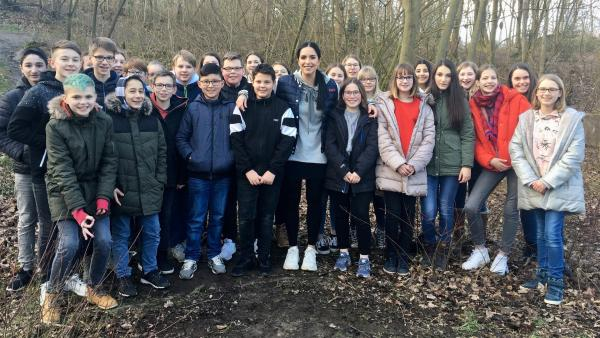 Jess besucht die Klasse 7 des das Hannah-Arendt-Gymnasiums in Barsinghausen.   Rechte: KiKA/Sakina Gaba