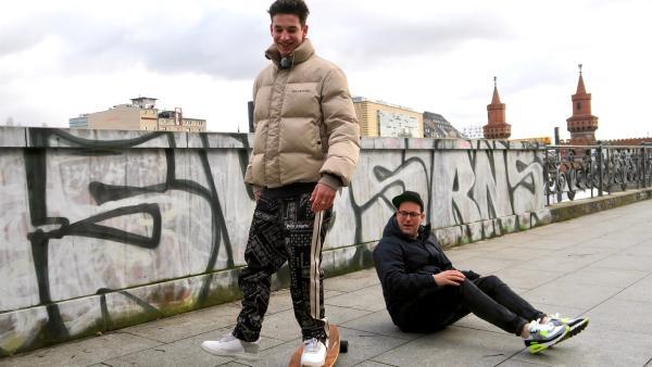 Ben trifft den Musiker Noah Levi in Berlin. | Rechte: KiKA/Alex Huth