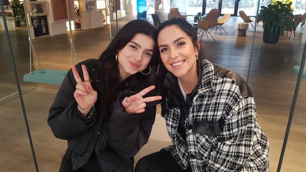 Jess trifft Musikerin renforshort in Berlin. | Rechte: KiKA/Anna Leistner