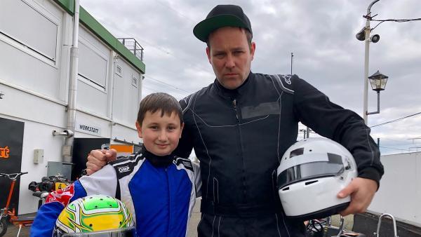 Slalom klingt simpel. Doch Ben erfährt bei seinem Besuch bei Samuel Linus, dass es gar nicht so einfach ist. | Rechte: KiKA/Björn Pollok