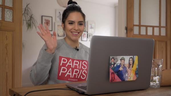 Jess testet den Online-Unterricht des Kreisgymnasiums aus Neuenburg. | Rechte: KiKA/Nicolette Maurer