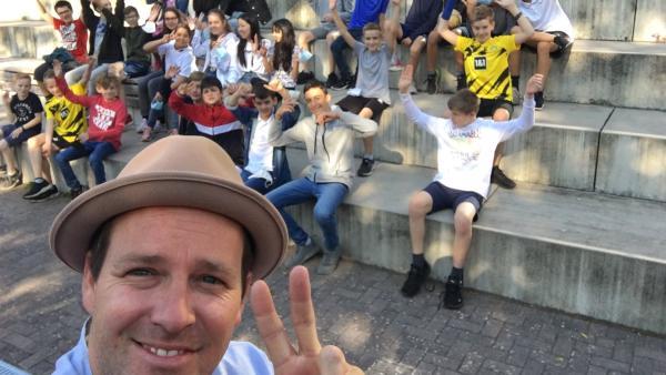 Ben mit der Klasse 7f vom Otto-Schott-Gymnasium aus Mainz | Rechte: KiKA/Ben Blümel